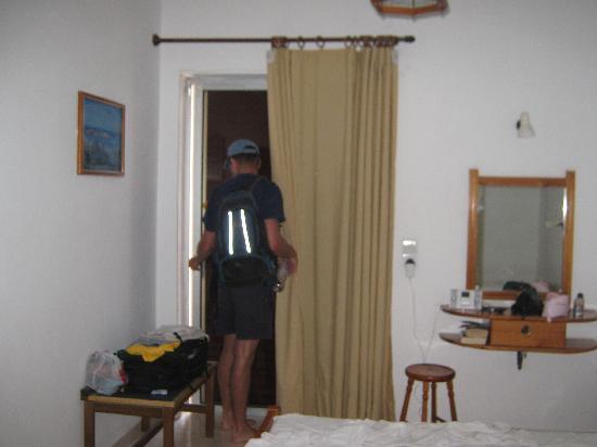 Zouboulia Apartments: room
