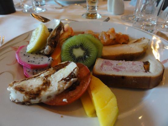 Hotel Belvedere Grindelwald: レストランの前菜