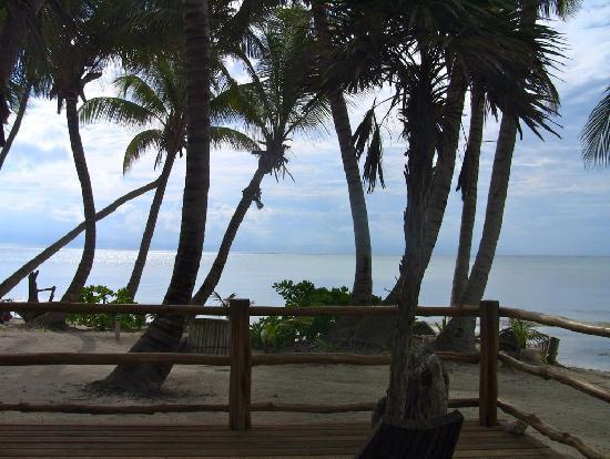La Perla Del Caribe: Looking out the front door!!