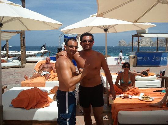 ME Cabo: pool area