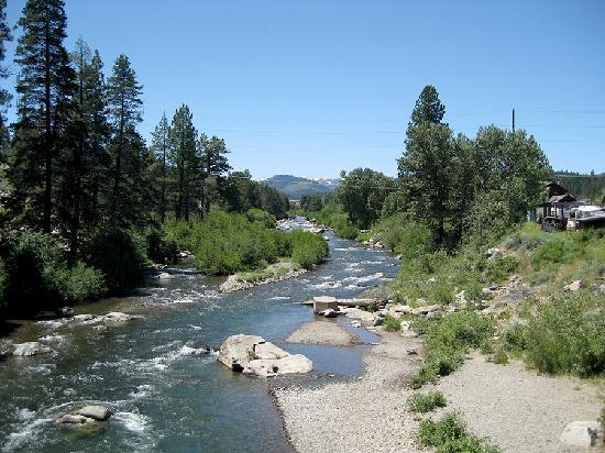 River Street Inn: Walk to the Truckee River.