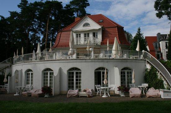 Villa Contessa: Von der Seeseite aus gesehen