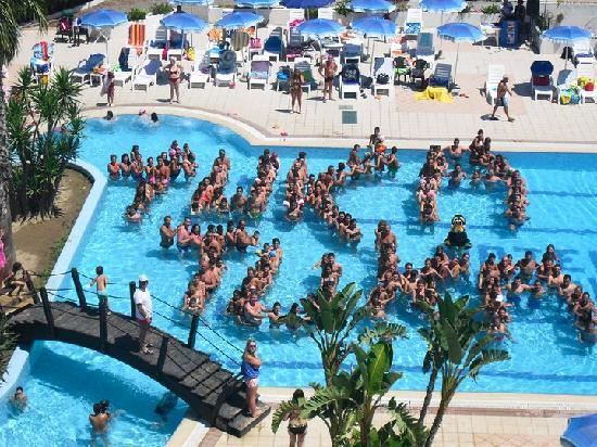 Hotel Village Paradise: tuka tuka