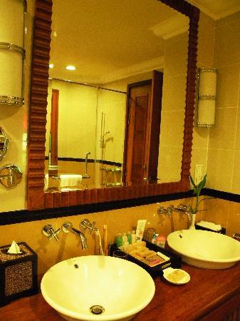 Sokha Angkor Resort: the vanity
