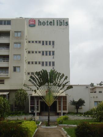 Ibis Lome Centre: Hotel von außen