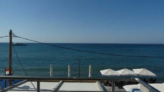 Astron Hotel : Balcony view