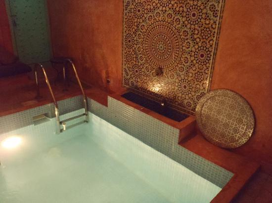 Riad Nakhil: pool