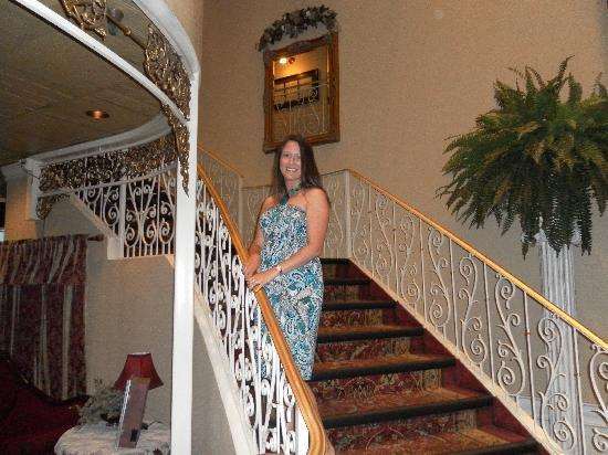 Showboat Branson Belle: staircase at entry
