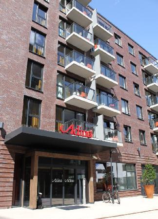 aussenansicht picture of adina apartment hotel hamburg michel hamburg tripadvisor. Black Bedroom Furniture Sets. Home Design Ideas
