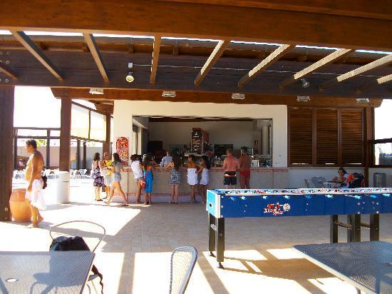 GranSerena Hotel: il bar al mare