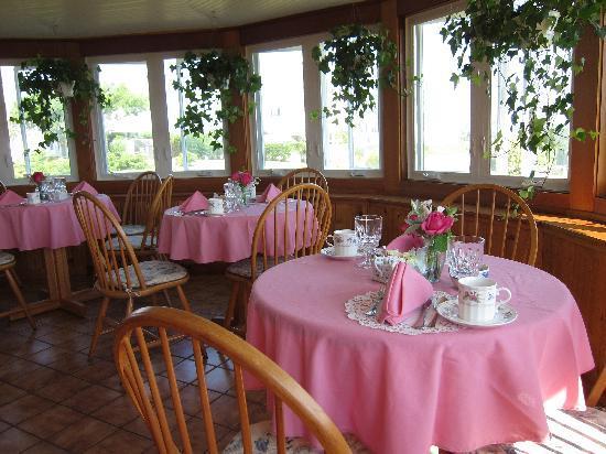 Rose Farm Inn: Breakfast Room