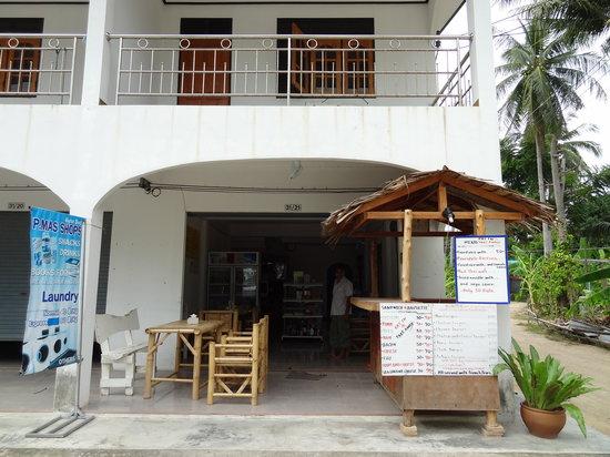 P Mas Shops: La façade du restaurant