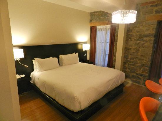 Le Petit Hotel: BED