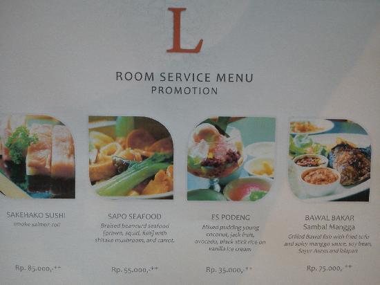 Lumire Hotel & Convention Center: ルームサービスのメニューです。