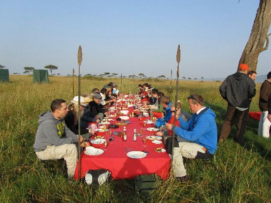 Governors' Balloon Safaris: brunch on the Mara