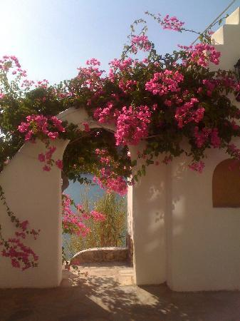 Kalafatis, Grecja: scorcio tra le viuzze del villaggio