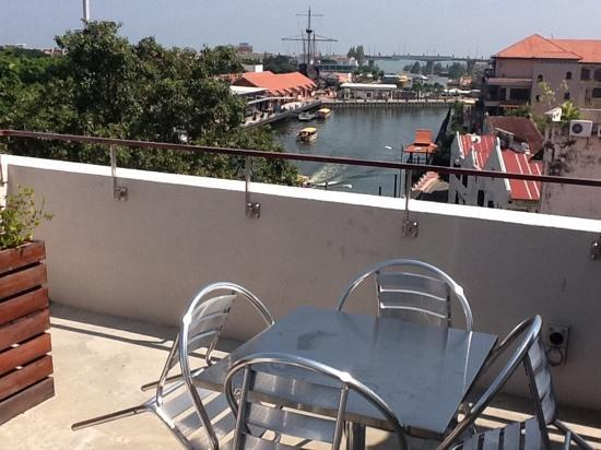 hangout@jonker: the view from lookout on the roof, goes great with the free coffee and wifi!