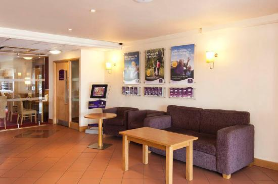 Premier Inn Bolton (Stadium/Arena) Hotel: Reception area