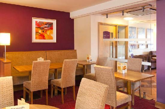 Premier Inn Bolton (Stadium/Arena) Hotel: Breakfast area