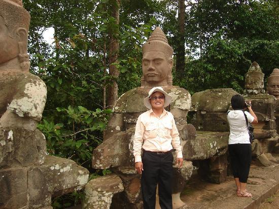 Angkor Wat Services - Angkor Wat Guide & Transportation ...