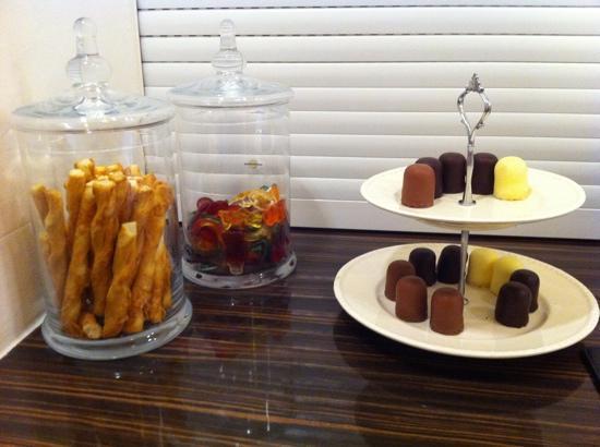 Am Volksgarten Hotel: little snacks :)
