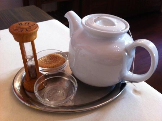 Am Volksgarten Hotel : lovely cup of tea!