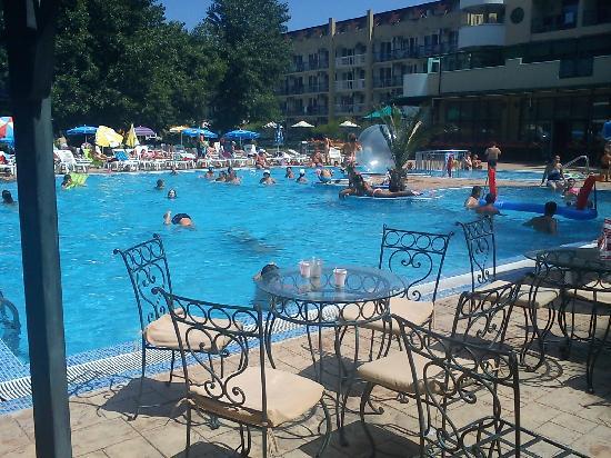 Imperial Resort : La piscine de l'hôtel