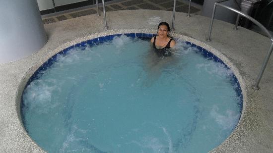 Cebu Parklane International Hotel : Jacuzzi