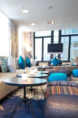 Hilton Brussels City : Lobby area