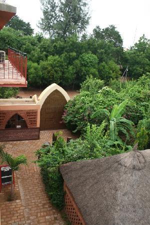 Vue du 1er étage entrée Villa Soudan