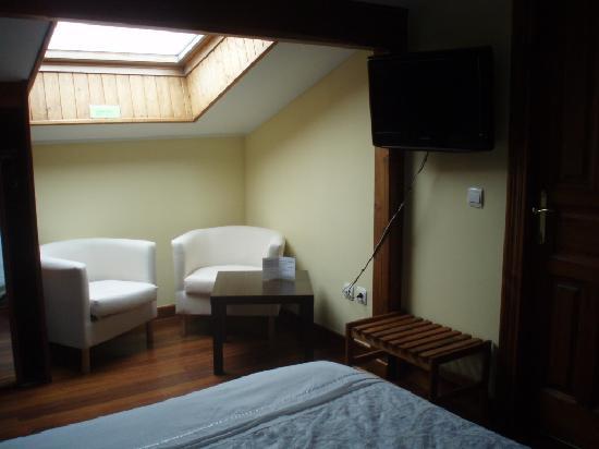 Hotel Cantabrico: habitación amplia