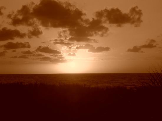 Cinnamon Beach at Ocean Hammock Beach Resort: Sunrise from the balcony