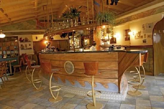 Hotel Bambi: Bar
