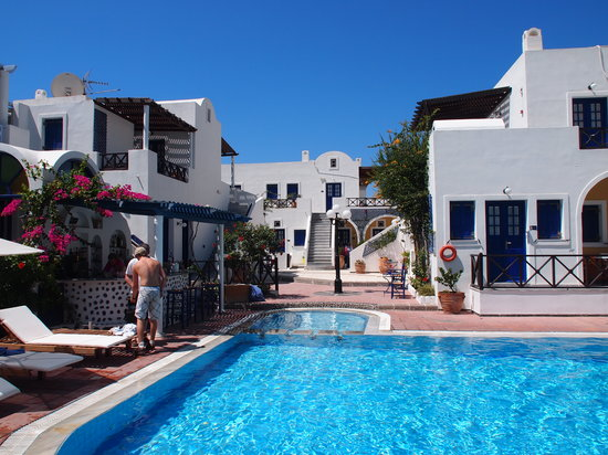 Kouros Village Hotel : The Pool, another angle