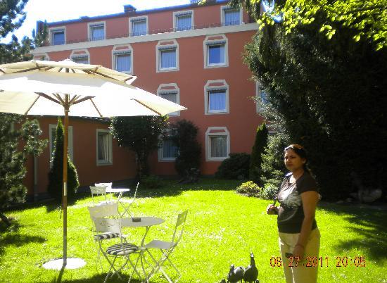 Hotel Leopold : hotelgarden