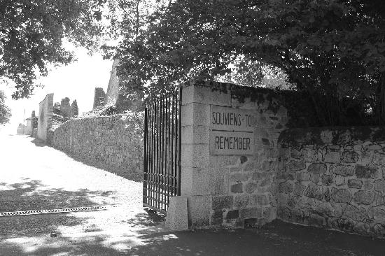 Oradour-sur-Glane old town: The gate to the martyred village