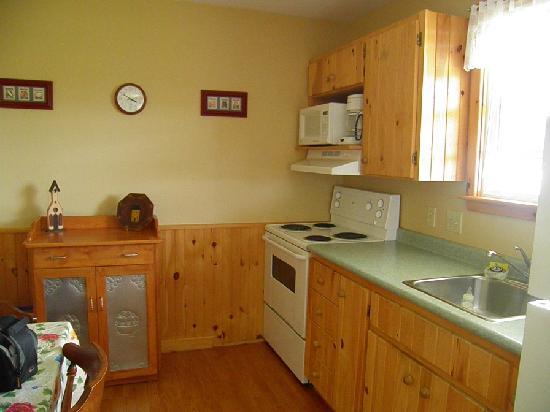 Upper Clements Cottages: Kitchen