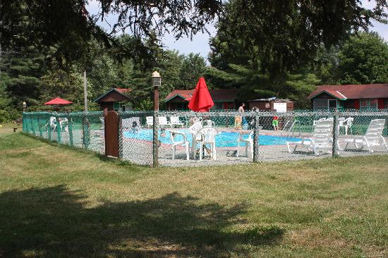 Schulte's Family Lodge: Pool