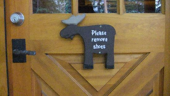 Cathedral Mountain Lodge: No Shoes Allowed