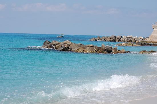 Villaggio Residence Vadaro: Il mare cristallino della Calabria...