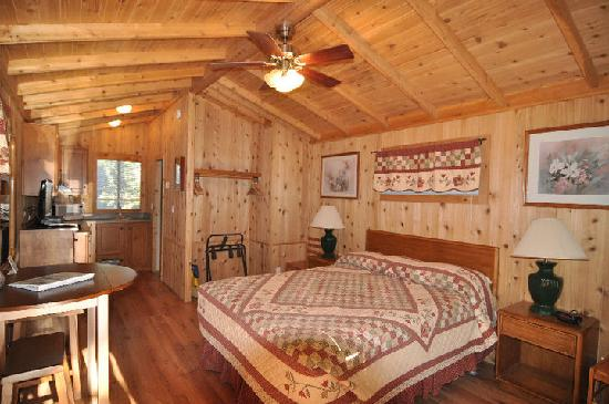 Lake View Lodge: inside our chalet