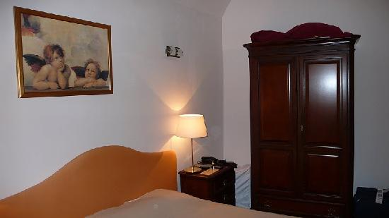 Hotel Residence Retezova: Another side of bedroom