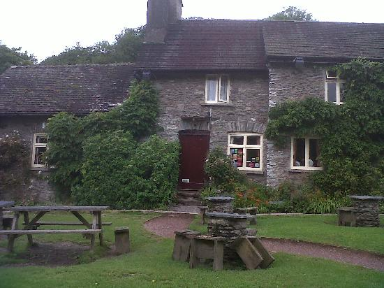 Hillside House: A lovely pub at Tar Steps. Great food.