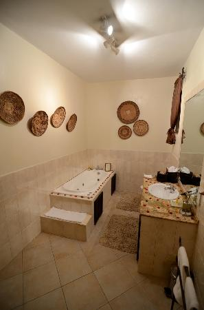 Palacina Residence & Suites: Bathroom