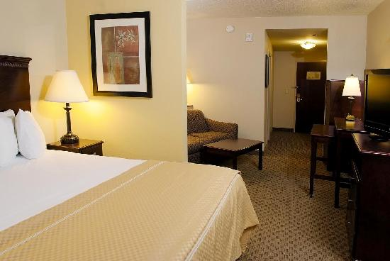 Comfort Suites Kodak: Well-appointed, contemporary guest suites with king sized beds and sofa sleepers.