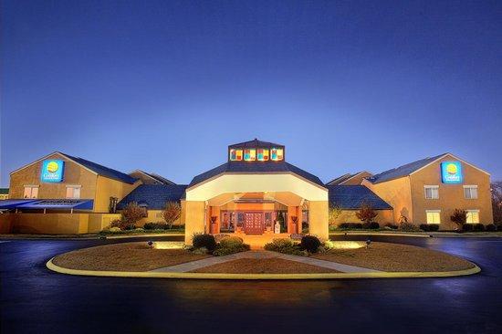 Rodeway Inn & Suites West Knoxville : Comfort Inn & Suites in Trendy West Knoxville