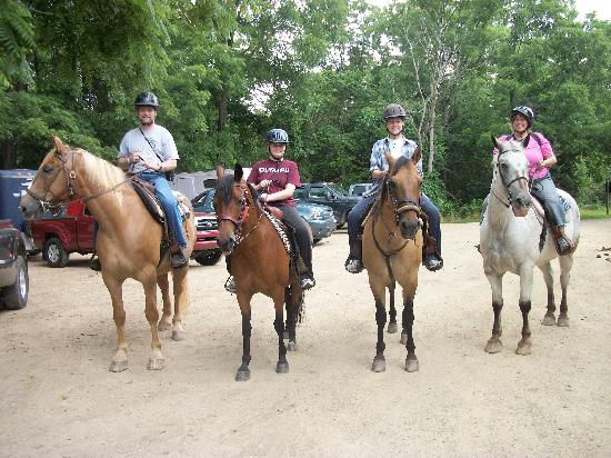 """Hickory Hollow Horse Farm: The """"Maine"""" invasion"""