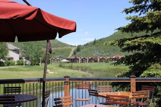 Deer Valley Grocery Cafe: Deck Dining