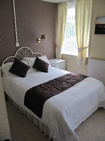 Manor Heath Hotel: My room.