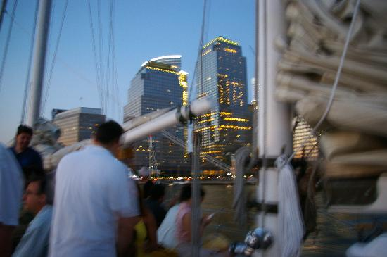 Manhattan by Sail - Shearwater Classic Schooner : Not much room to move around in